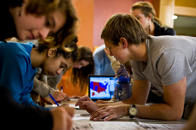 students registering to vote at Tufts in September 2012